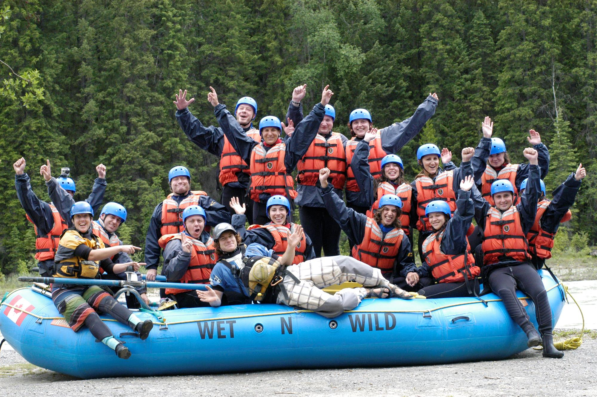 whitewater rafting in golden, bc